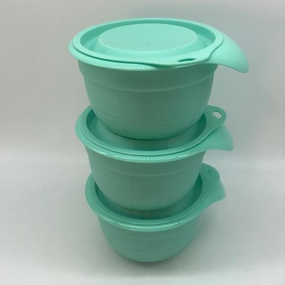 Tupperware Mixing Bowls Set of 3